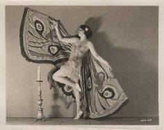 Bebe Daniels, the moth and the flame.I so want these beautiful wings! Butterfly Frame, Vintage Butterfly, Butterfly Wings, Cabaret, Moth Drawing, Bebe Daniels, Butterfly Costume, Vintage Fairies, Art Deco