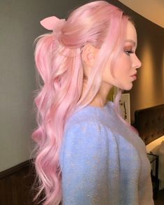 Dove Cameron discovered by Perrieeele on We Heart It Pastell Pink Hair, Pink Hair Dye, Hair Color Purple, Hair Dye Colors, Dye My Hair, Cool Hair Color, Pastel Green Hair, Pink Hair Streaks, Pink Blonde Hair