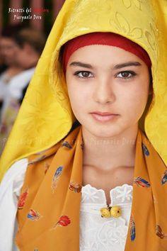 Traditional dress from Cabras, Sardinia