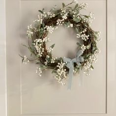 34 Popular Spring Wreath Design For Front Door Decor - Flowers come in exotic colors and fragrances and leave their impression through all seasons. They stand tall as anniversary gifts, proposal accessorie. Diy Spring Wreath, Spring Door Wreaths, Easter Wreaths, Diy Wreath, Holiday Wreaths, White Christmas Wreaths, Boxwood Wreath, Tulle Wreath, Hydrangea Wreath