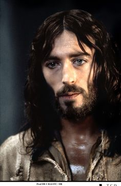 "Robert Powell as Jesus in ""Jesus of Nazareth"" . ♠༺ღ༻ Sol Holme ༺ღ༻♠ King Jesus, God Jesus, Jesus Movie, Image Jesus, Pictures Of Jesus Christ, Jesus Painting, Christ Quotes, Jesus Face, Jesus Lives"
