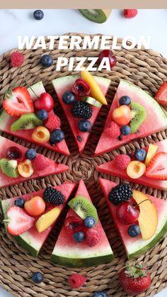 Watermelon Pizza, Watermelon Recipes, Fruit Recipes, Vegan Recipes, Fruit Snacks, Fruit Salads, Fun Fruit, Fruit Ideas, Party Food Platters