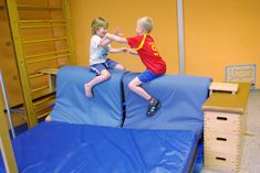 Turnen Im Kindergarten - Mode Für Teens Education Major, Elementary Education, Physical Education, School Sports, Kids Sports, Judo, Kids Attractions, Gym Games, Exercise For Kids