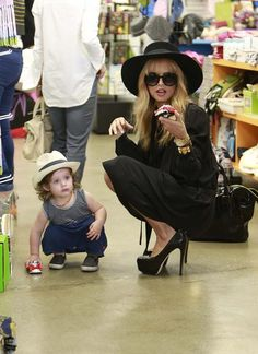 Rachel Zoe. Dear future kids, I promise to look like this. Even if only for a day. Pinky swear.