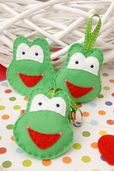 Funny felt frogs