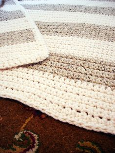 Very Simple Crochet Blanket | A Winding Road. Very classic. Maybe with the ivory and a blue to match the rug @Phyllis Simons Linz