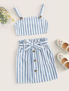To find out about the Girls Striped Crop Cami Top & Slant Pocket Skirt Set at SHEIN, part of our latest Girls Two-piece Outfits ready to shop online today! Dresses Kids Girl, Kids Outfits Girls, Cute Girl Outfits, Cute Summer Outfits, Cute Casual Outfits, Casual Summer, Fall Outfits, Girls Fashion Clothes, Teen Fashion Outfits