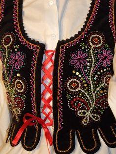 Nowy Sącz - corset Embroidery Dress, Beaded Embroidery, Polish Folk Art, Costumes Around The World, Fashion Vocabulary, Folk Dance, Manado, Arte Popular, Folk Costume