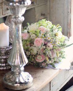 Vidiecka svadobná kytička z drobných kvietkov a anglických ruží.#kvetysilvia #kvetinarstvo #kvety #svadba #love #instagood #cute #follow #photooftheday #beautiful #tagsforlikes #happy #like4like #nature #style #nofilter #pretty #flowers #design #awesome #wedding #home #handmade #flower #summer #bride #weddingday #floral #naturelovers #picoftheday