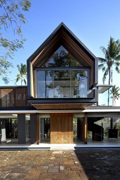 This article provides collecting of modern tropical architecture design ideas/ inspirations Modern Architecture Design, Tropical Architecture, Facade Design, Residential Architecture, Exterior Design, Interior Architecture, Beautiful Architecture, Modern Barn House, Modern House Design