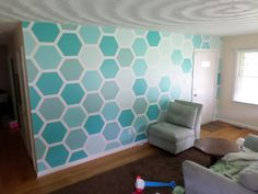 Like the Fresh colors and the really appreciate the simplified take on Mandi's ombre beehive wall.