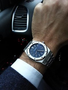 Audemars Piguet Royal Oak Blue Dial, exactly how I would wear it. Amazing Watches, Beautiful Watches, Cool Watches, Rolex Watches, Patek Philippe, Audemars Piguet Watches, Audemars Piguet Royal Oak, Fine Watches, Sport Watches