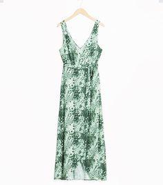 3ecc31a2ee3e Printed bridesmaid dresses are an unusual trend, but Pinterest has seen a  50% increase