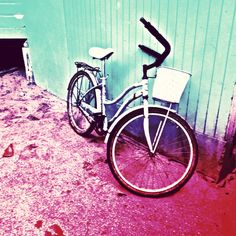 #vintage bicycle  Instagram @theenglishchannel