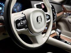 Dirigimos o novo Volvo XC90, o utilitário de luxo que facilita sua vida | O Hall | Site masculino com conteúdo de qualidade