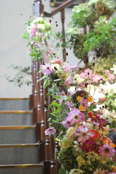 コスモスの会場装花 秘密の花園 マノワール・ディノ様へ : 一会 ウエディングの花