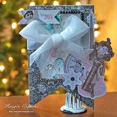 Blog Hop & Giveaway Day 5 with @bobunny @ilscraps created a shaker tag with Winter Wishes Collection and Keepsake Envelopes. Supplies also includes Crafty Foam Tape and Dodz Adhesive Dots. Use as a gift tag or ornament. See a tutorial link and prize details on the blog.