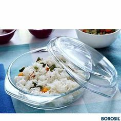 BOROSIL ROUND CASSEROLE Ltr - % flame proof and hot plate proof•Can be placed directly from freezer/frig to flame without fear of cracking•Can be used in microwave, oven and dishwasher Online Kitchen Store, Buy Kitchen, Kitchen Items, Kitchen Utensils, Kitchen Appliances, Microwave Rice Cooker, Microwave Cookware, Microwave Dishes, Kitchenware