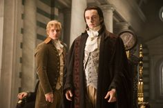 Michael Sheen as Aro from The Volturi and Peter Facinelli as Carlisle Cullen in The Twilight Saga! Twilight Film, Twilight Saga New Moon, Twilight Saga Series, Twilight Pictures, Twilight Cast, New Moon Movie, Aro Volturi, Billy Burke, Peter Facinelli