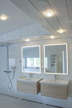 When it comes to lighting solutions in bathroom, Helmi LED-light is a perfect option. Helmi-sarjan LED-valaisimet ovat loistava vaihtoehto kylpyhuoneen valaistusratkaisuksi.