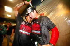 Martinez and Matheny celebrate winning the NL Central Division. Cardinals Team, Cardinals Baseball, St Louis Cardinals, Chicago Cubs, Chicago Illinois, Better Baseball, Best Fan, Great Team, Team Photos