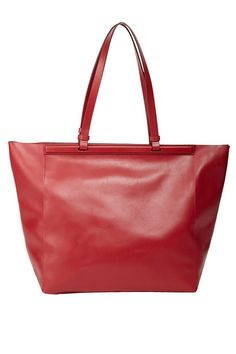 3 Major Designer Sales You Can't Miss #refinery29  http://www.refinery29.com/summer-sales#slide4  The Row Shopper 12, $579 (originally $1,450), available at Barneys New York.
