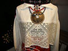 Muhu rahvarõivad / Folk costumes, island Muhu, Estonia by pitsimeister, via Flickr