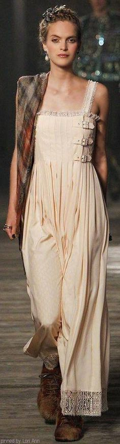 Chanel ♥ Stunning, classic jewelry: www.bluedivadesigns.com #bluedivagal