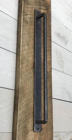 29 Trendy Ideas For Rustic Barn Door Handles Irons Sliding Door Handles, Barn Door Handles, Door Pull Handles, Door Pulls, Drawer Pulls, Modern Door Handles, Door Hinges, Interior Barn Door Hardware, Sliding Barn Door Hardware