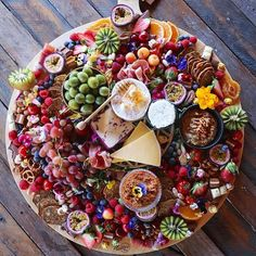 'A little bit of this and a little bit of that' makes up a platter @grazingtablesandcheesboards