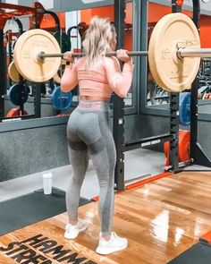 Barbell pause squats video sport, muscle fitness, fitness tips, health fitn Muscle Fitness, Fitness Goals, Fitness Tips, Fitness Motivation, Health Fitness, Weight Training Workouts, Gym Workouts, Squats Video, Video Sport