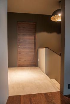 Singelfamily house  Built: 2016 Architect: Marita Hamre Floor: Terra Maastricht, Mosa tiles Door: custom design in walnut, Ege dører House Built, Doors, Mirror, Interior Design, Building, Projects, Inspiration, Furniture, Home Decor