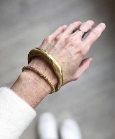 Modern Jewelry, Jewelry Art, Beaded Jewelry, Jewelry Bracelets, Silver Jewelry, Jewelry Accessories, Fashion Jewelry, Jewelry Design, Jewellery