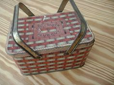 old dixie queen plug cut tobacco tin picnic basket style
