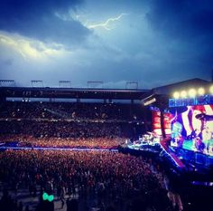 WHAT A FREAKING COOL PICTURE!!! LOVE IT ❤️❤️. LOOK AT THE SKY OMG - Switzerland (7/4/14)
