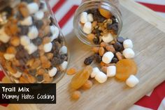 Homemade Trail Mix ~ I'd use plain peanuts and swap the raisins for dried cranberries. Fruit Snacks, Lunch Snacks, Yummy Snacks, Delicious Recipes, Healthy Snacks, Yummy Food, Trail Mix Recipes, Snack Recipes, Homemade Trail Mix
