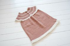 Ullstrikk - The wool knitters blog: STRIKKA PENKJOLE / A LITTLE PRETTY DRESS