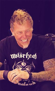 james hetfield ☺☺ YEHHHHHHH! LOL! WHAT AN UNDERATED SONGWRITER!