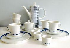 Melitta-Paris-Blau-Weiss-Punkte-Kaffeeservice-4-Pers-Dots-Plus-Eierbecher