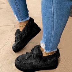 Fashion Flats, Blue Fashion, New Fashion, Womens Fashion, Style Fashion, Winter Fashion, Slip On Shoes, Platform Shoes, Women's Shoes