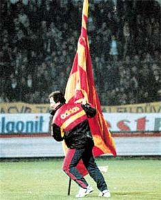 The most emotional moment of my life was the moment Souness planted a huge Galatasaray flag into the centr of Fenerbahce Stadium after winning Turkey Cup against Fenerbahce in 1995