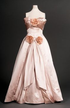 Howard Greer evening dress ca. 1951-52, stunning vintage evening gown!  Women's vintage fashion history
