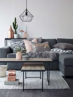 Grey living room with copper details as small as writing on a cushion - modern home decor || @pattonmelo