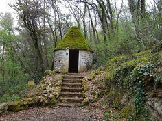 Une cabane en pierre sèche aux jardins de Marqueyssac