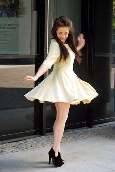 lemon dress  http://www.musthavefashion.pl/cytrynowa-sukienka-i-torebka-shopper/