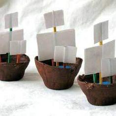 Egg Carton Craft: Boats
