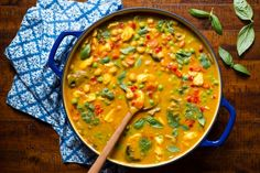 Chicken, Carrot and Chickpea Coconut Curry - the perfect way to get your veggie…