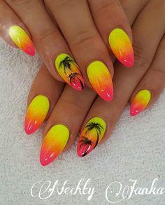 Toe Nail Art, Toe Nails, Holiday Nails, Christmas Nails, Nail Manicure, Nail Polish, Beach Nail Designs, Palm Tree Nails, Nail Effects