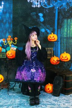 Witch goth loli. Love the purple design of the dress & her hair