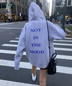 Trendy Outfits, Fashion Outfits, Vogue, Hoodie Outfit, Hoodies, Sweatshirts, Swagg, Aesthetic Clothes, Winter Outfits